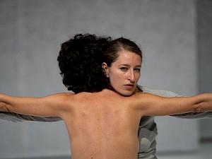 <p>Yasmine Hugonnet, Seven Winters, 2020 © Anne-Laure Lechat</p>