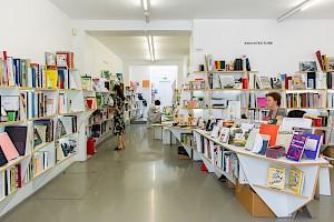 <p>Librairie du CCS © Margot Montigny, CCS</p>