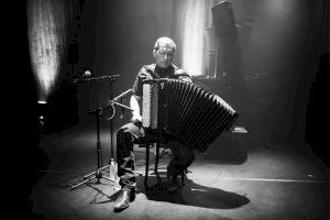 <p>Mario Batkovic au Centre culturel suisse, 2018 / © Margot Montigny / CCS</p>