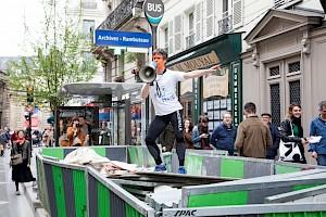 """Festival Extra Ball 2018, Foofwa d'Imobilité """"Dancewalk - Mai 2068"""" / © Simon Letellier, Centre culturel suisse"""