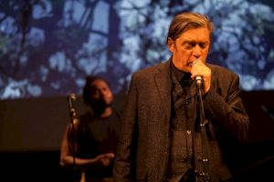 <p>KiKu & Blixa Bargeld & Black Cracker, Eng, Düster und Bang, Centre culturel suisse, octobre 2017 / © Simon Letellier</p>
