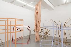 Sonia Kacem, Carcasse, centre culturel suisse, 2017 / Photo: Simon Letellier — © Centre culturel suisse. Paris