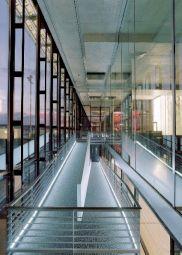 <p>Dock Midfield, Zurich International Airport © agps</p>
