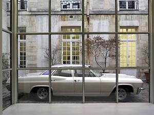Chevrolet Bel  Air 1965, Olivier Mosset / Jeffrey Schad & Vincent Szarek / Photo: Marc Domage / CCS — © Centre culturel suisse. Paris