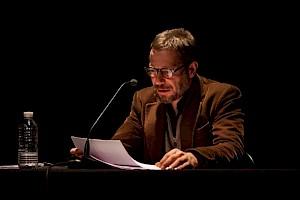 Lecture de Mathieu Amalric dans le cadre de la carte blanche à Ursula Meier / Photo: Simon Letellier — © Centre culturel suisse. Paris