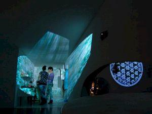 <p>Cosmic Incubadora (installation totale) (détail) / Photo :Gerda Steiner & Jörg Lenzlinger</p>