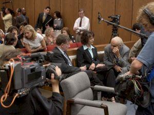 <p>Sur le tournage de Soupçons / Photo: Maha Productions, 2004</p>