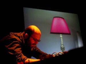 <p>© Hassan Khan, INCIDENCE, performance à l'occasion de l'ouverture de la triennale de Yokohama (2008) / Photo: D.R.</p>