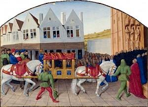 """Entrée de Charles V à Saint-Denis - Le 3 janvier 1378, l'empereur Charles IV, souffrant d'un accès de goutte, arrive à Saint-Denis dans une litière noblement attelée, envoyée par Charles V. Le cortège arrive devant l'abbatiale, à l'entrée de laquelle les  / """"Grandes Chroniques de France"""", enluminées par Jean Fouquet, vers 1460 — © Centre culturel suisse. Paris"""