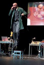 """<p>La compagnie Drift dans """"Machine à sons un concert théâtral"""" / Photo: D.R.</p>"""
