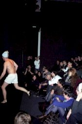 """<p>""""Qui est là"""", carte blanche à Célia Houdart, performance de Oskar Gomez-Mata / Photo: D.R.</p>"""