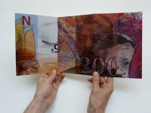 "<p>Roger Pfund, ""Travaux 1969 - 1999"" / Carton de l'exposition (leporello) / Photo: © CCS</p>"