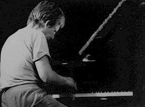 Irène Schweizer au piano lors d'un concert au CCS en 1987 / Photo: D.R. — © Centre culturel suisse. Paris