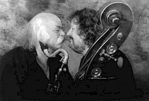 """Après avoir mené à son apogée le quartet BBFC, Léon Francioli et Daniel Bourquin, en 1992, ont créé le duo """"Les Nouveaux Monstres"""". / Photo: Sedrik Nemeth © 24H"""