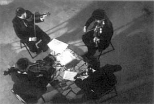 """Edna Politi, image extraite d'un autre de ses documentaires, """"Quatuor des possibles"""" — © Centre culturel suisse. Paris"""