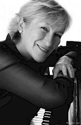 Michèle Courvoisier / Photo: Brice Toul — © Centre culturel suisse. Paris