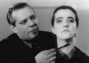 """Hans Peter Ulli et Nicoline von Keyserling dans """"Nacht der Gaukler"""" — © Centre culturel suisse. Paris"""