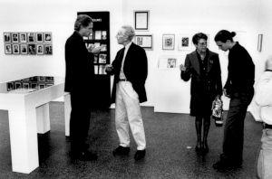 """<p>François Lachenal, dans l'espace de l'exposition """"Édition et résistance"""" / Photo: Florisa Haerdter</p>"""
