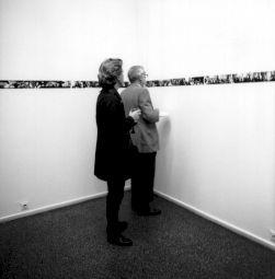 <p>Visiteurs dans l'exposition de René Burri / Photo: Felix van Murat / Lookat</p>