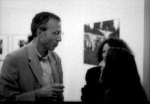"""<p>Daniel De Roulet au CCS lors de la soirée """"Daniel de Roulet"""" (dans l'exposition de Simone Oppliger) / Photo: Olivier Meylan</p>"""