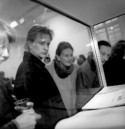 Un visiteur dans l'exposition / Photo: Felix von Muralt / Lookat — © Centre culturel suisse. Paris