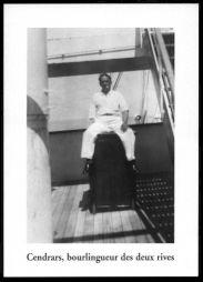 """<p>Blaise Cendrars en 1924 sur le paquebot """"Formose"""" qui l'emmenait au Brésil pour la première fois / Photo: Thomas Gilou (carton de l'événement)</p>"""