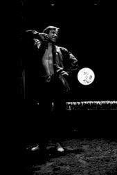 """<p>Robert Bouvier dans """"François d'Assise"""" mis en scène par Adel Hakim / Photo: Michel Sarti</p>"""