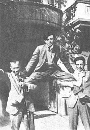 Hans Arp, Tristan Tzara et Hans Richter à Zurich, 1918 / Photo: D.R. — © Centre culturel suisse. Paris