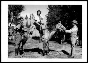 <p>Ella Maillard et Peter Flemming, Gilgit 1935, après leur périple en Asie Centrale / © Musée de l'Élysée, Lausanne</p>