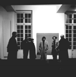 <p>Les artistes lors du vernissage devant l'installation de Renée Lévi / Photo: D.R.</p>