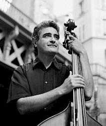 Renaud Garcia-Fons / Photo: Jan Scheffner — © Centre culturel suisse. Paris