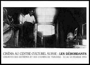 """Carton de l'événement / Blaise Cendrars en 1920, pendant le tournage de """"La Roue"""" d'Abel Gance, dans le chalet du téléphérique du plan de l'Aiguille © Miriam Gilou-Cendrars"""