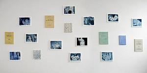 """Rolf Winnewisser, """"Filmstills und Zwischentitel"""", 2010/2011, huile sur toile, 30 x 40cm et 30 x 24cm, 18pièces — © Centre culturel suisse. Paris"""