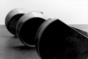 """<p>Jürg Moser, """"Aus der Serie Transmissionen"""", 1989, cire / Photo: Aline Kundig</p>"""