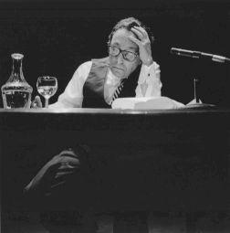 """<p>Jean Starobinski lit """"Diderot et les cordes vibrantes"""" / Photo: Katrin Bötzel</p>"""