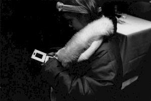 """<p>""""Rétrospective Michel Soutter"""", une jeune spéctatrice / Photo: Katrin Bötzel</p>"""