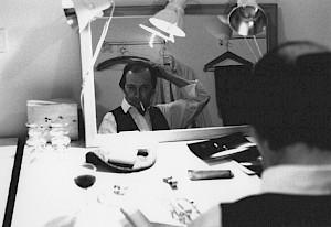 Armand Abplanalp dans les loges  / Photo: D.R. — © Centre culturel suisse. Paris