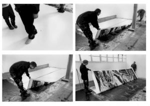 <p>Josef Felix Müller, estampe grand format en cours de réalisation à l'atelier / Photo: D.R.</p>