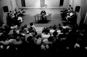 <p>31 mai 1986, Paul Sacher en conférence sur Béla Bartok / Photo: M.Polak/Collectif Presse</p>